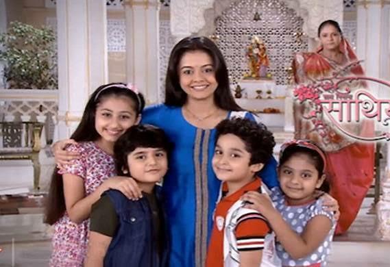 Yeni Hint Dizisi Masum Konusu Oyuncuları Saath Nibhaana Saathiya gopi rashi Giaa Manek Rucha Hasabnis Kanal 7 hint dizisi