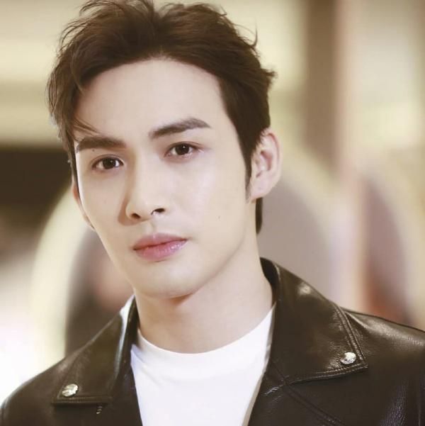Vin Zhang Binbin Kimdir?