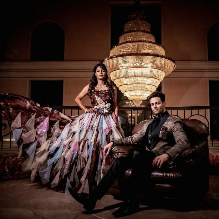 Karan Goddwani Evlendi. Bir Garip Aşk